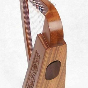 Tall Celtic Irish Knee Harp 17 Strings Solid Wood Free Bag Strings Key 27 Inch